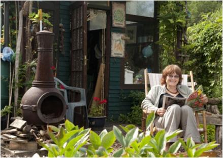 Woman_at_allotment_garden